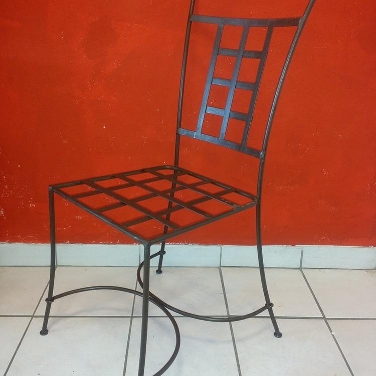 Chaise radouane